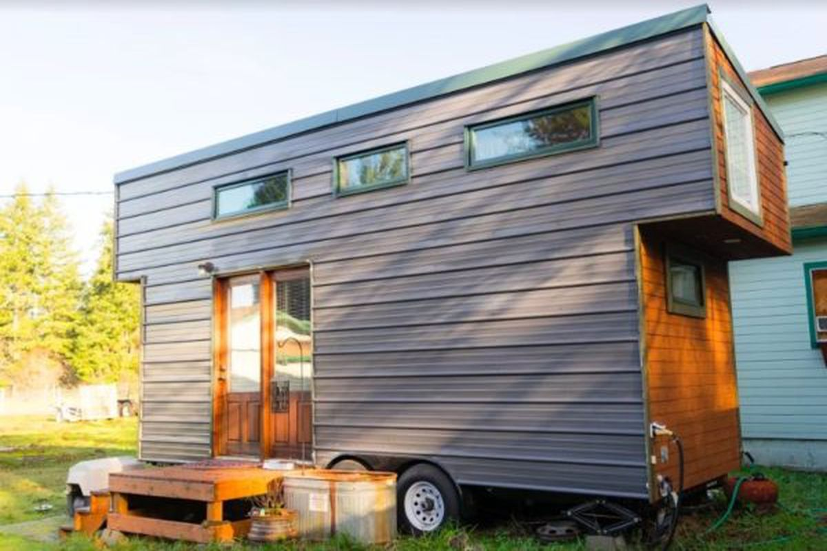 Extra touches make a 37k tiny house on wheels excel for Micro homes on wheels