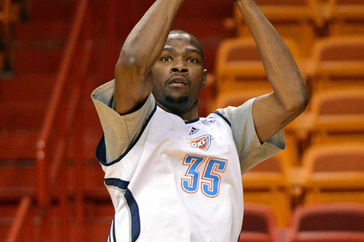 Do you think Durant has been practicing his baseline jumper? Mandatory Credit: Steve Mitchell-US PRESSWIRE
