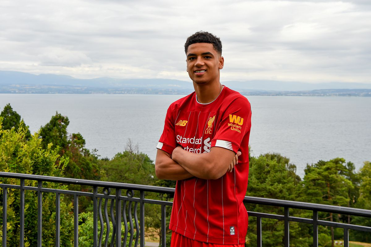 Ki-Jana Hoever Signs Contract Extension with Liverpool FC