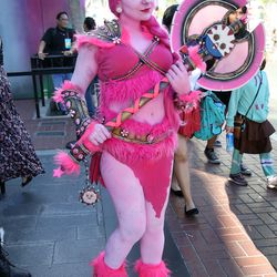 Though we can't quite identify this character, we've gotta admire this cosplayer's level of commitment.