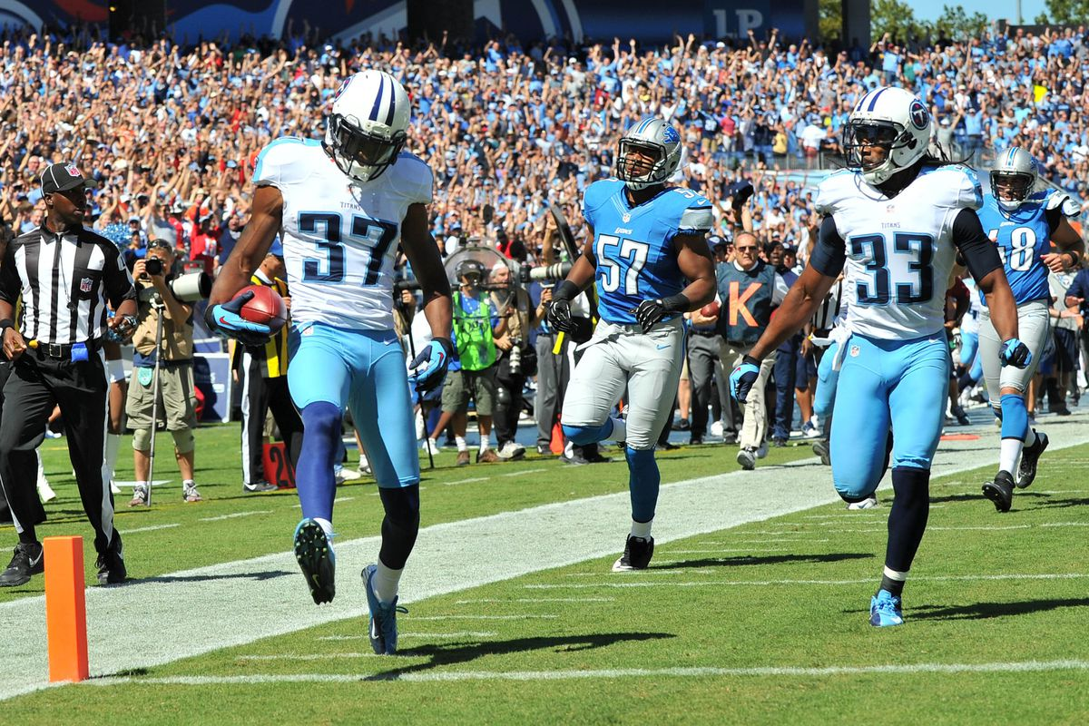 Sep 23, 2012; Nashville, TN, USA; Tennessee Titans corner back Tommie Campbell (37) returns a kick for a touchdown against the Detroit Lions during the first half at LP Field. Mandatory credit: Don McPeak-US PRESSWIRE