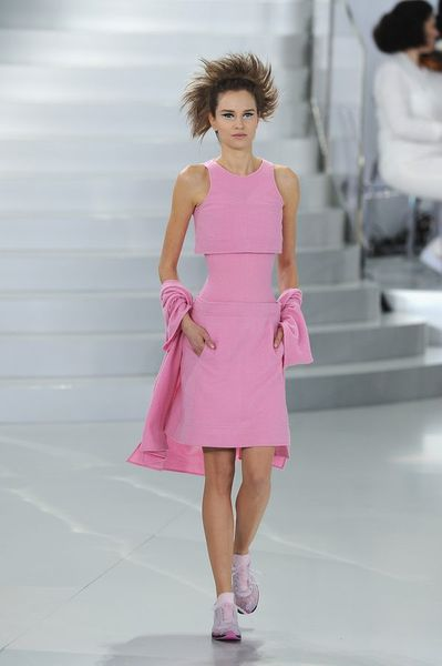 chanel 39 s haute couture show involved sparkly knee pads racked. Black Bedroom Furniture Sets. Home Design Ideas
