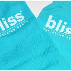 Bliss Softening Socks are a real treat for dry, cracked, and tired feet. These are an indulgence, not a necessity- but sometimes we need an indulgence... didn't Martha Stewart carpet her cell? Those with brutally dry or cracked heels will find these a nic