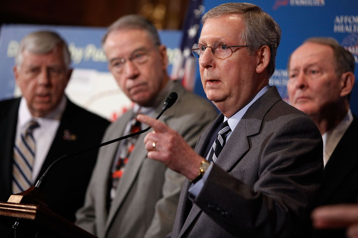 Sen. Chuck Grassley (R-IA), center, has said he wants a budget with fewer words.