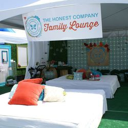 The Honest Company's shaded spot was buzzing with parents and kids later in the afternoon.