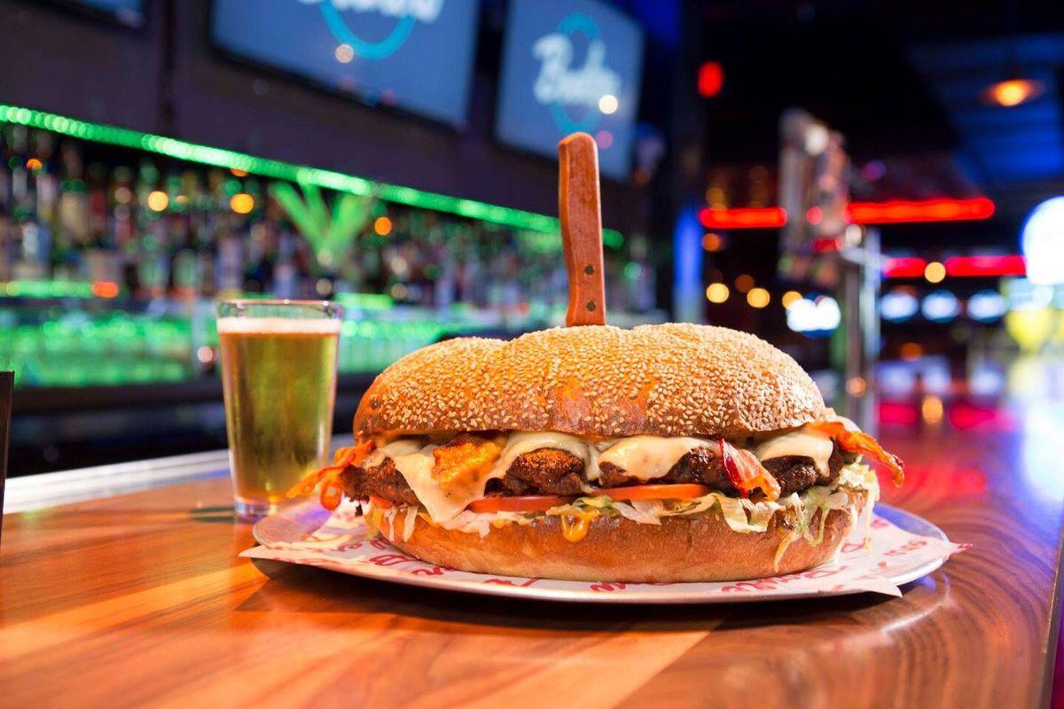 Bowlero Burger