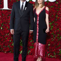 Rose Byrne in Thakoon, Stuart Weitzman sandals, and Ara Vartanian jewelry, with Bobby Cannavale
