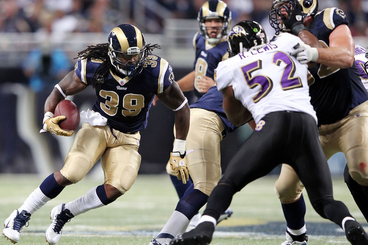 ST LOUIS, MO - SEPTEMBER 25:  Steven Jackson #39 of the St. Louis Rams carries the ball upfield during the game against the Baltimore Ravens on September 25, 2011 at the Edward Jones Dome in St Louis, Missouri.  (Photo by Jamie Squire/Getty Images)