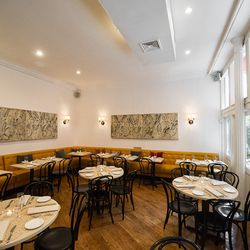 """<a href=""""http://ny.eater.com/archives/2013/11/cucina_ciano_a_casual_uptown_italian_restaurant.php"""">Eater Inside: Cucina Ciano</a>"""