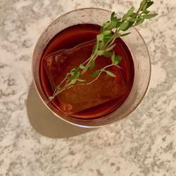 Barman Vincenzo's Negroni with thyme