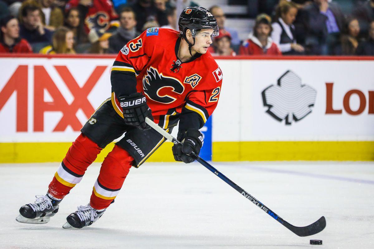 NHL: Nashville Predators at Calgary Flames
