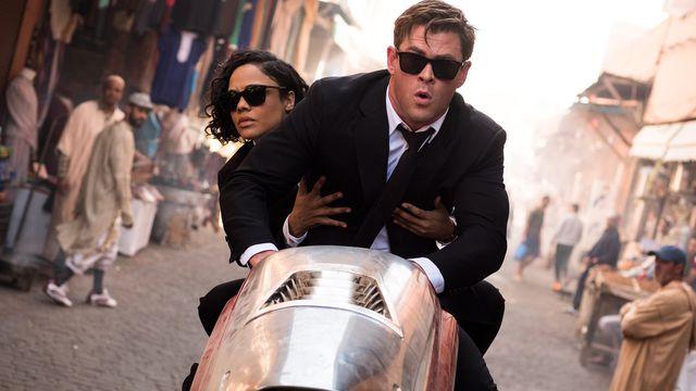 Tessa Thompson and Chris Hemsworth in <em>Men in Black: International</em>.