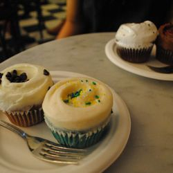 """Little Cupcake Bakeshop by <a href=""""http://www.flickr.com/photos/21836592@N04/5083029350/in/pool-29939462@N00/"""">Hello Foto</a>"""