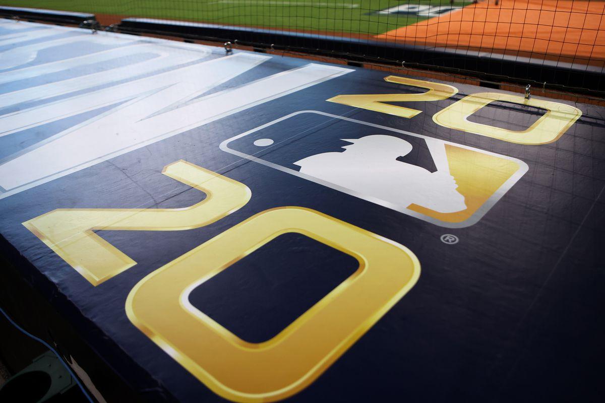 National League Division Series Game 2: Atlanta Braves v. Miami Marlins