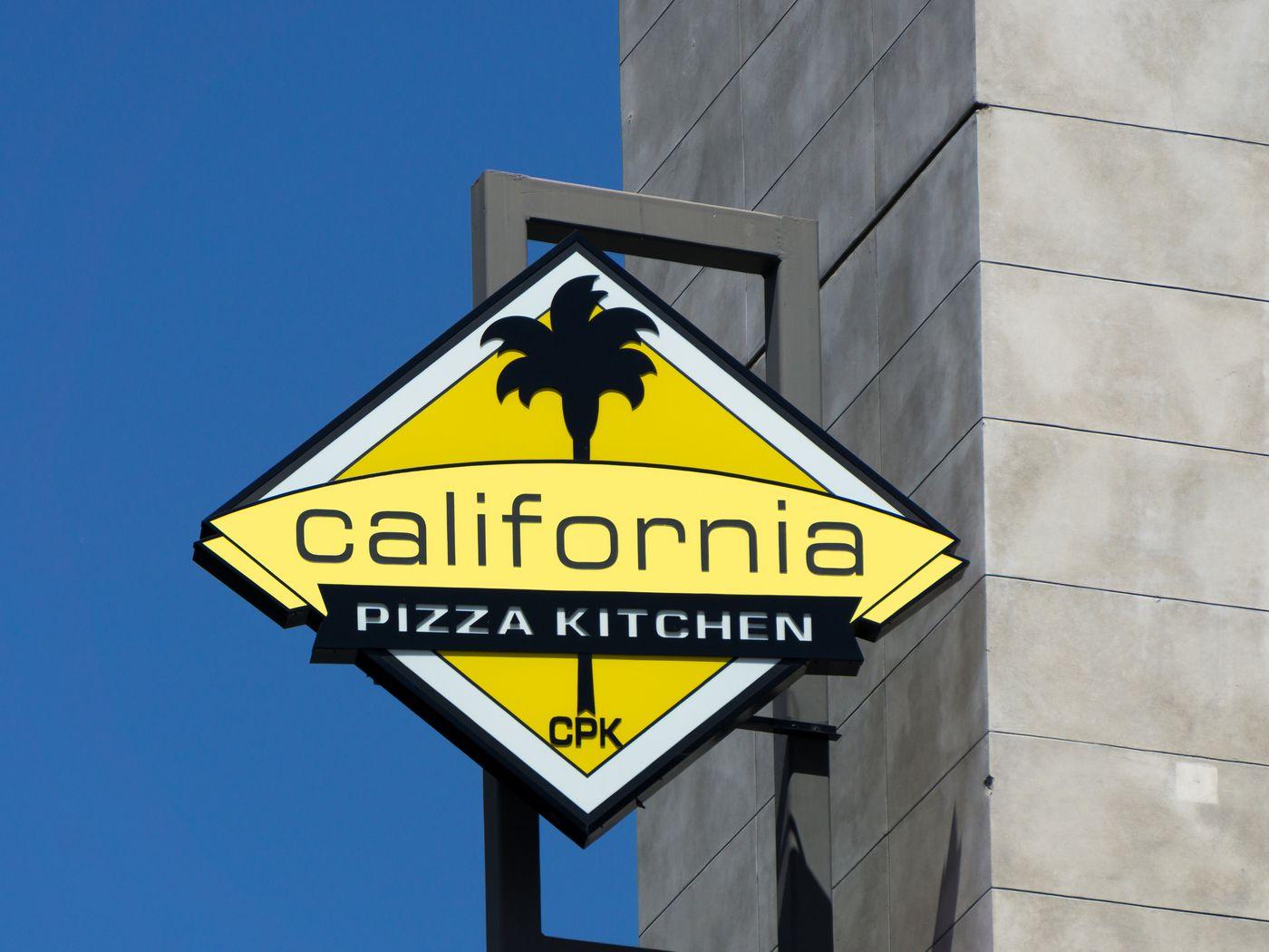 California Pizza Kitchen Closing Last Two Washington Locations Eater Seattle