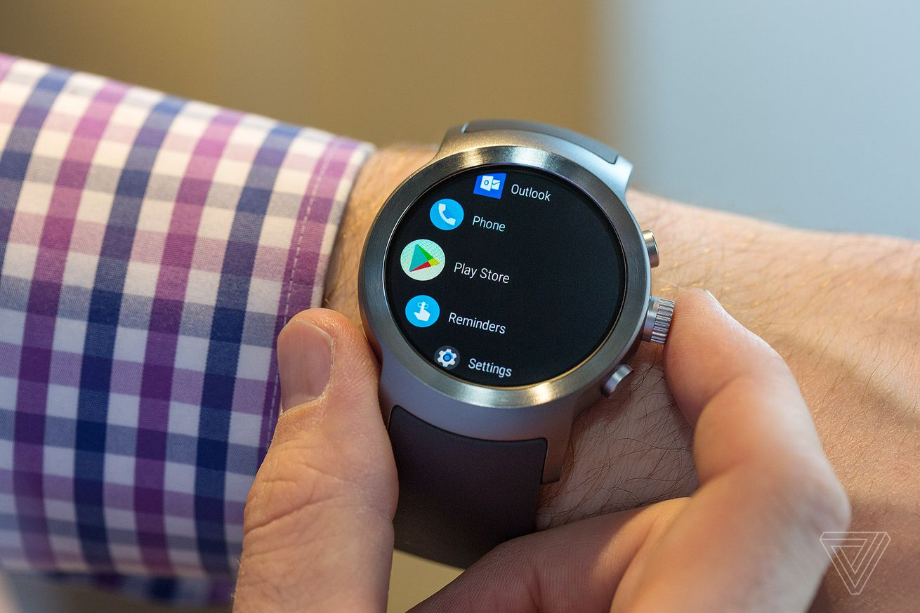 google pay for wear os devices comes to canada spain and australia