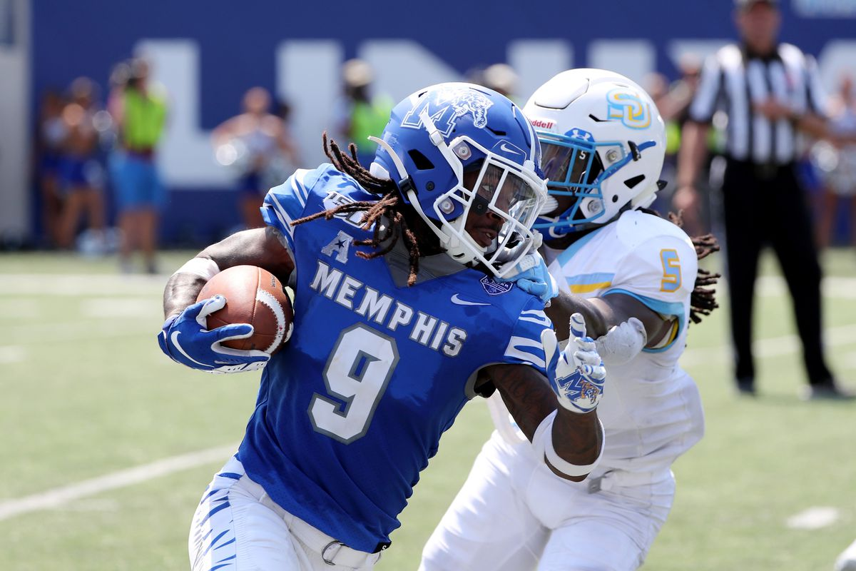 """<p zoompage-fontsize=""""15"""" style="""""""">Southern v Memphis"""