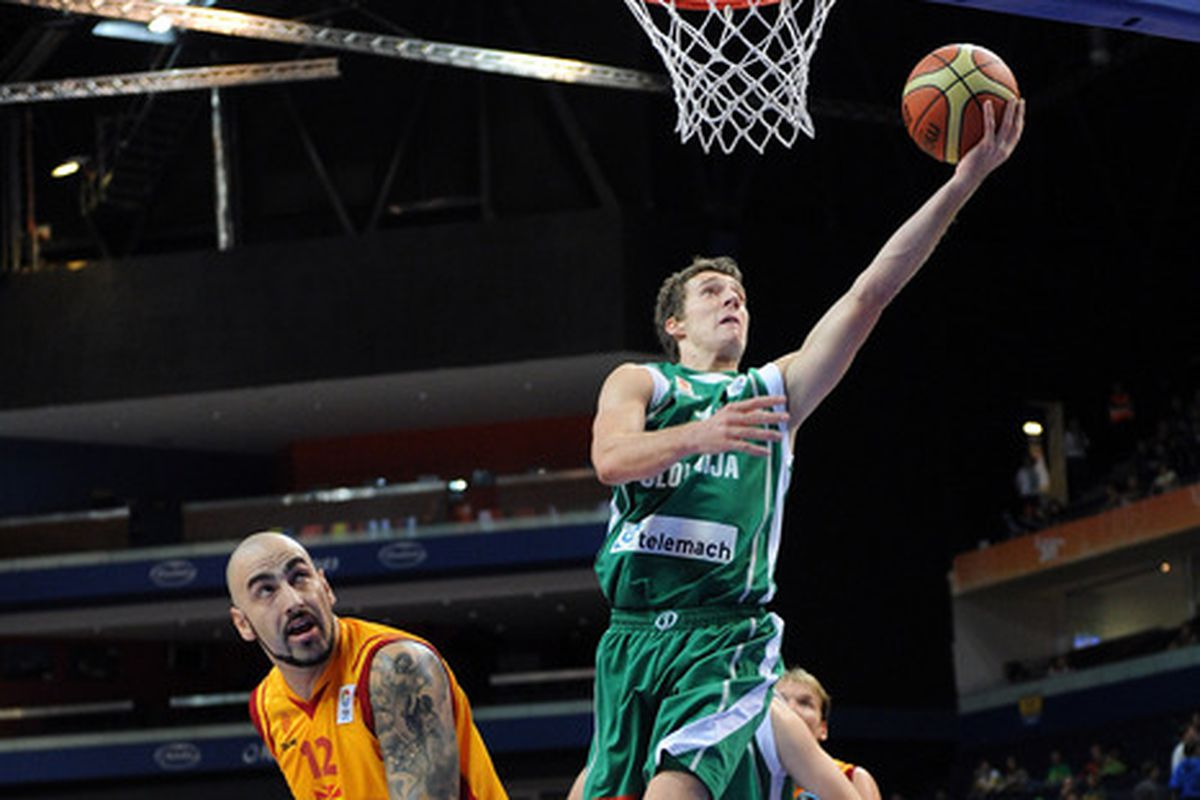 Goran Dragic was able to seal victory for host Slovenia. (Yes, I know the photo is from 2011.)