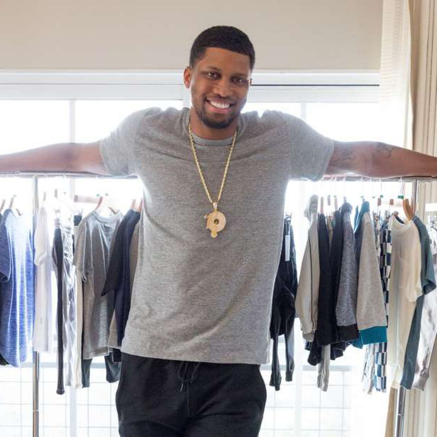 Rudy Gay Offers His Fashion Critique Of Spurs Past And Present Pounding The Rock