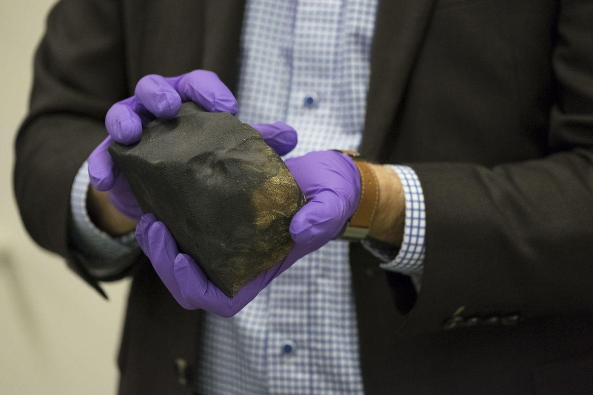 Field Museum's new meteorite is super cool