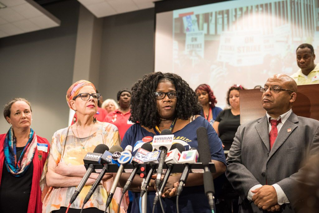 Chicago Public Schools teacher Tara Stamps speaks after CTU's House of Delegates first session of the school year on September 7, 2016.   Max Herman/For the Sun-Times