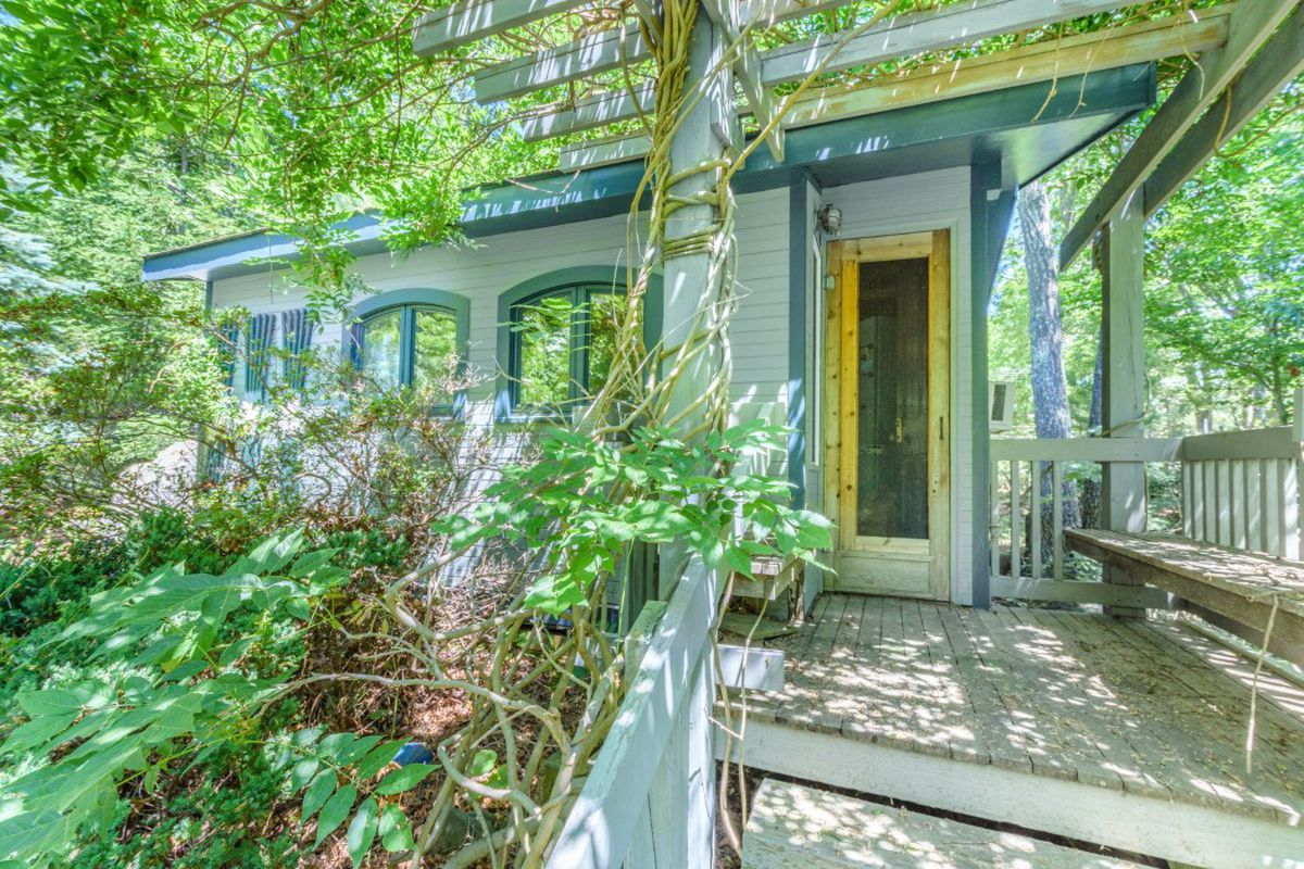 East Hampton Cottage With Magical Gardens Asking Curbed Hamptons