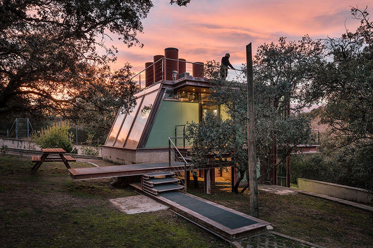 steel and glass pavilion offers meditative refuge outside madrid