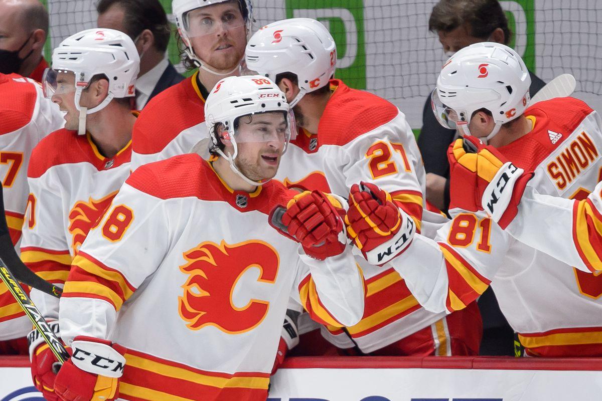 NHL: MAY 16 Flames at Canucks