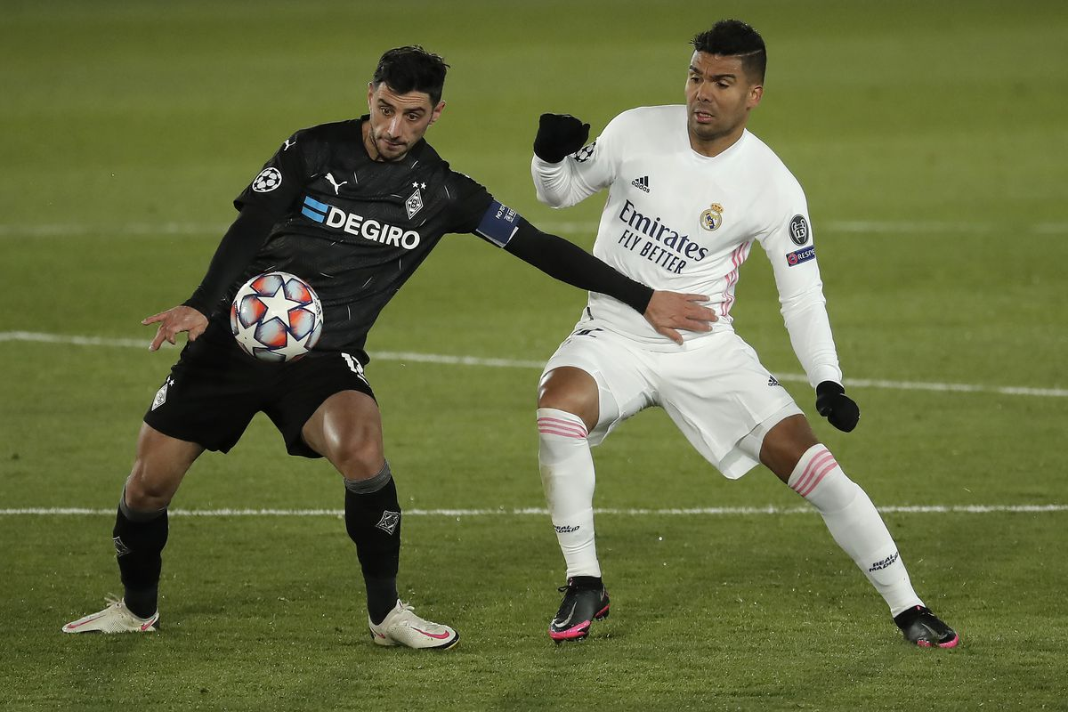 Real Madrid v Borussia Monchengladbach - UEFA Champions League