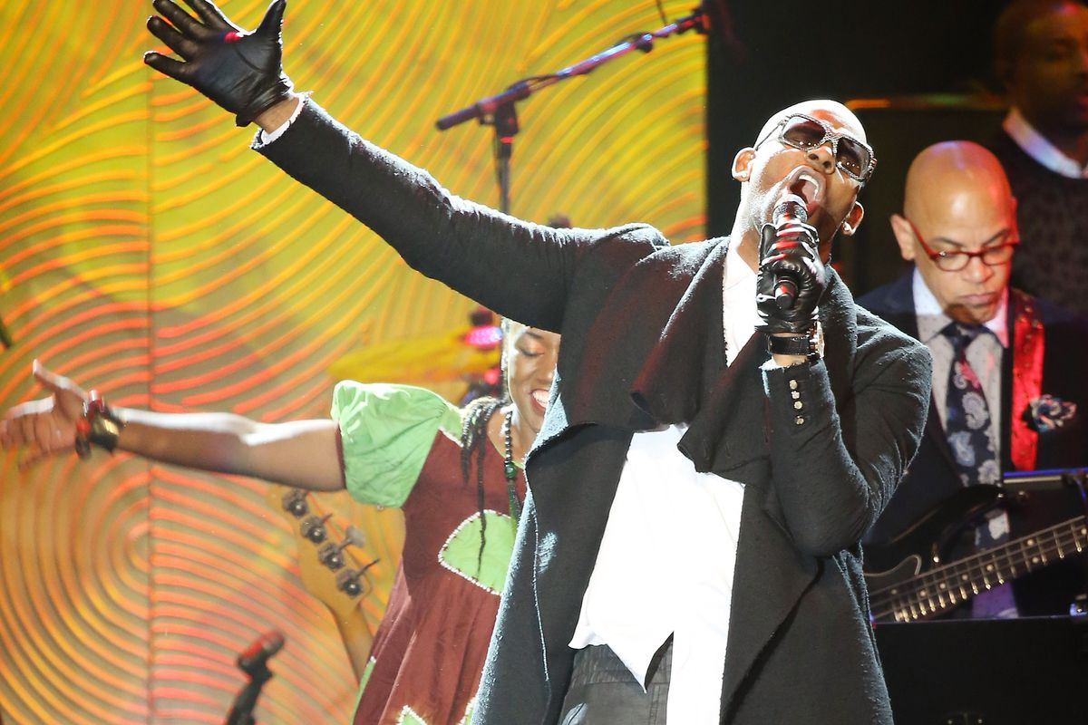 R. Kelly performs