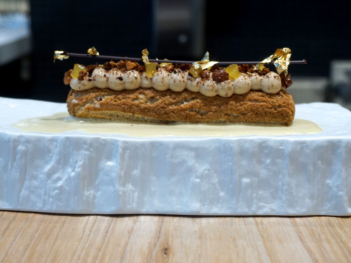 An eclair from Imperfecto