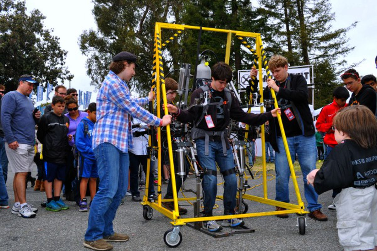 Maker Faire Shows Off the Human Forklift (And Other Cool Inventions)
