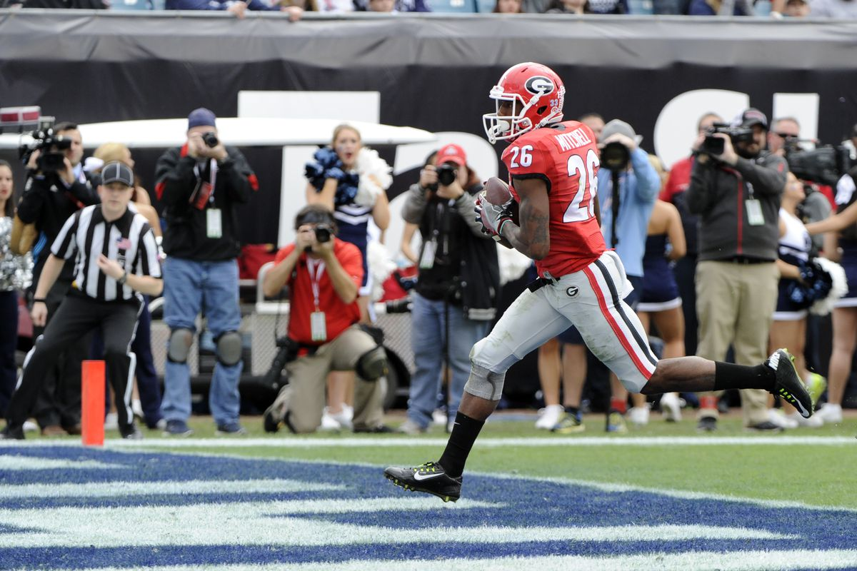 Georgia wide receiver Malcolm Mitchell runs into the end zone for a touchdown against the Penn State Nitanny Lions in the TaxSlayer Bowl