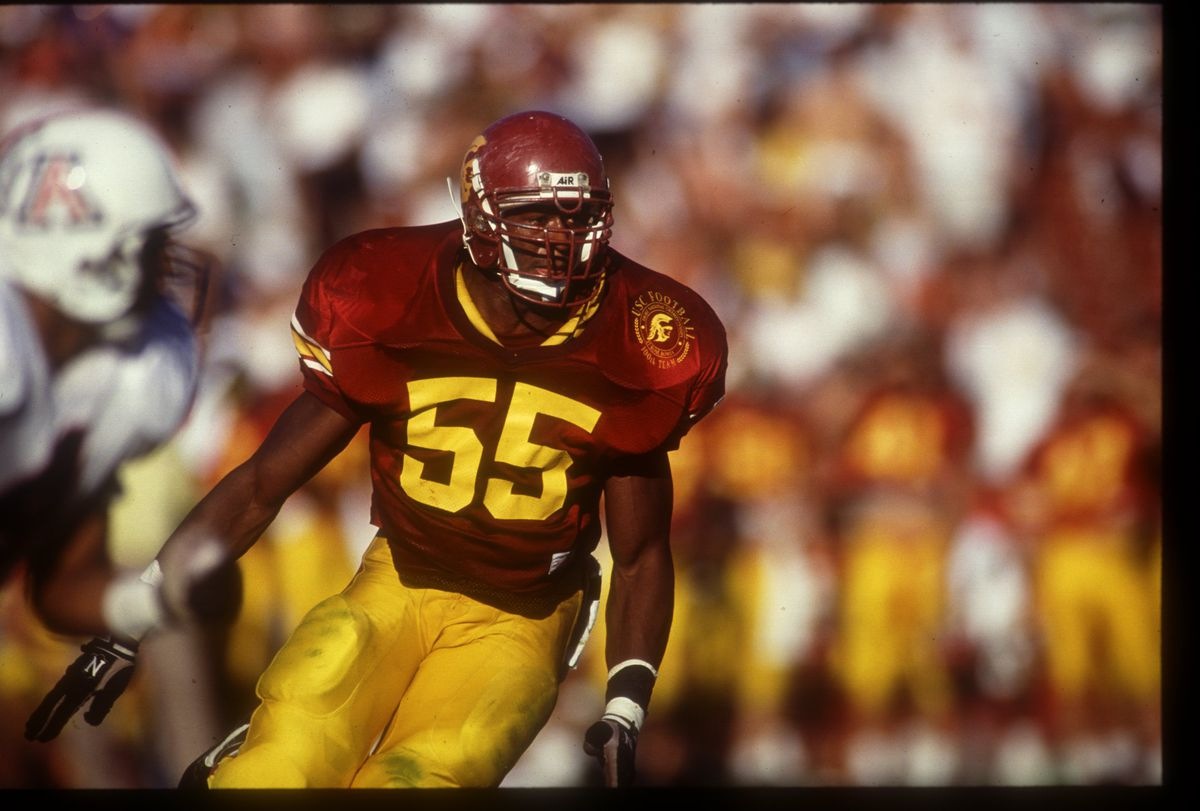 14 NOV 1992: USC LINEBACKER WILLIE MCGINEST RUSHES THE QUARTERBACK DURING THE TROJANS 14-7 VICTORY