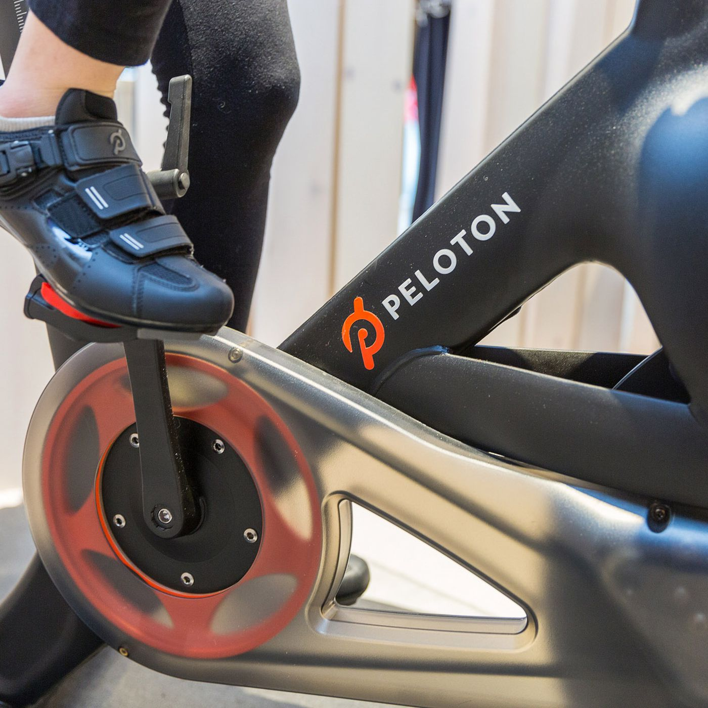 My Two Month Ride With Peloton The Cultish Internet Connected Fitness Bike The Verge