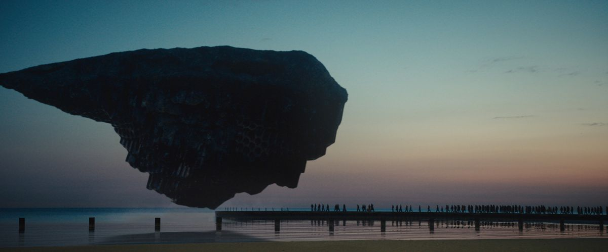 an alien ship from Captive State