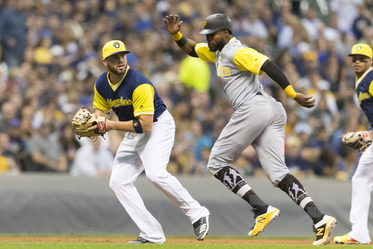 d83a26097 Pittsburgh Pirates and Milwaukee Brewers played an amazing game in ...