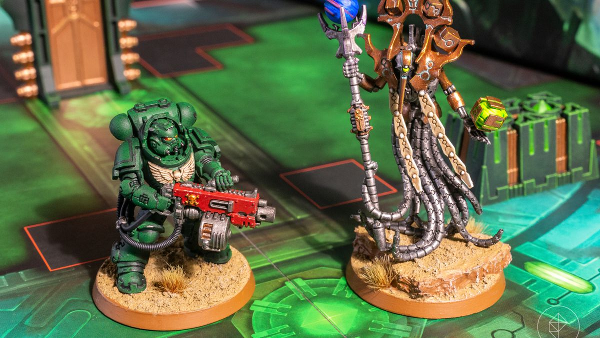 A Heavy Intercessor and a Chronomancer stand inside the Pariah Nexus, the latest expansion for Warhammer 40,000: Kill Team.