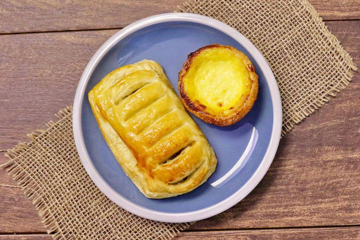 A spinach-kale danish and egg tart from 85C Bakery