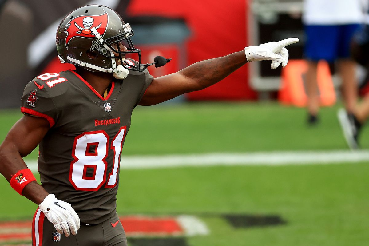 Antonio Brown of the Tampa Bay Buccaneers celebrates a touchdown during a game against the Atlanta Falcons at Raymond James Stadium on January 03, 2021 in Tampa, Florida.