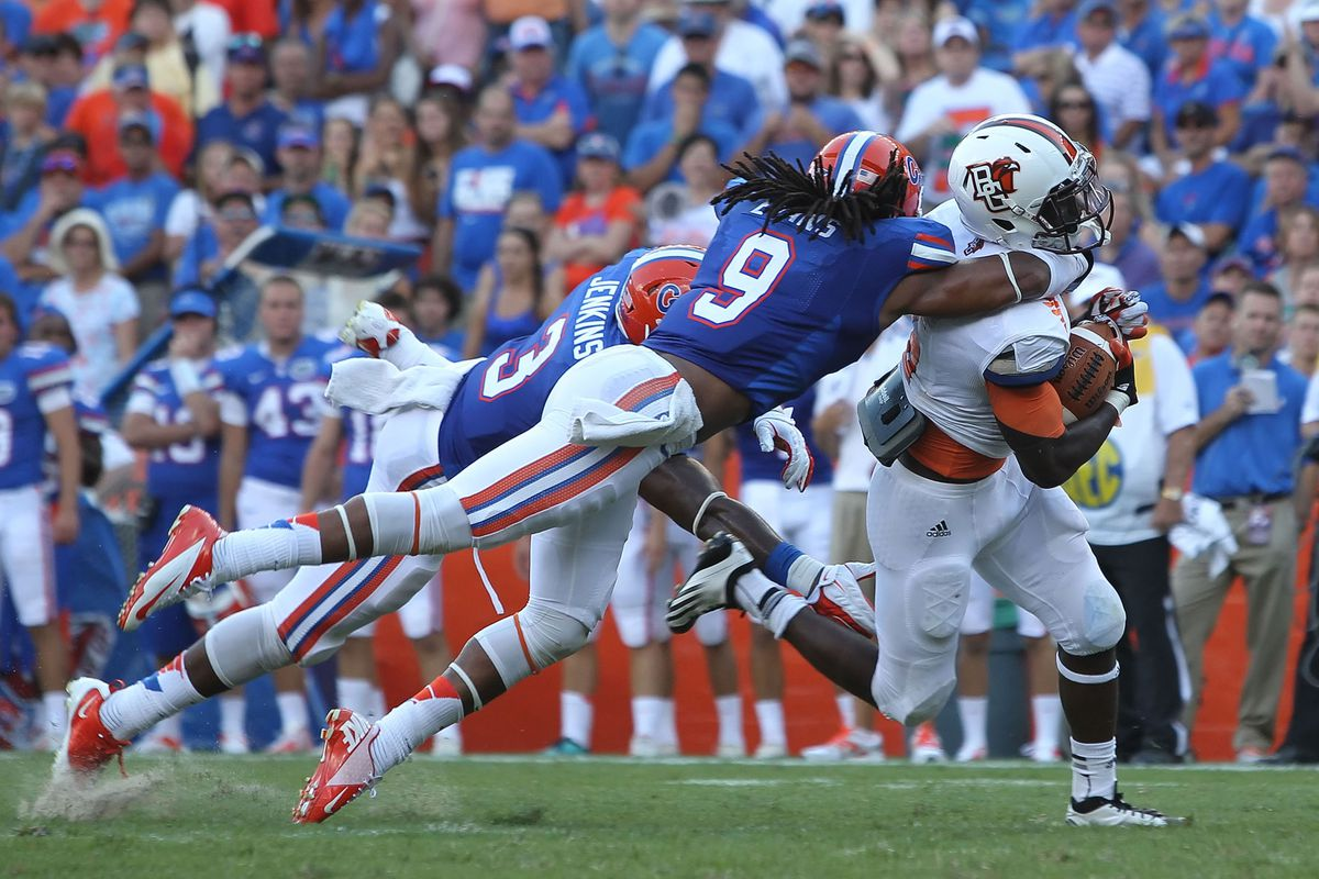 A much-improved Josh Evans (No. 9) helped lead the Florida Gators' bend-but-not-really-totally-break defense.