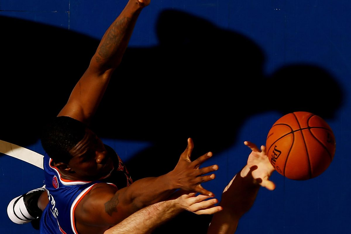 Henry Sims in a preseason appearance for the Knicks