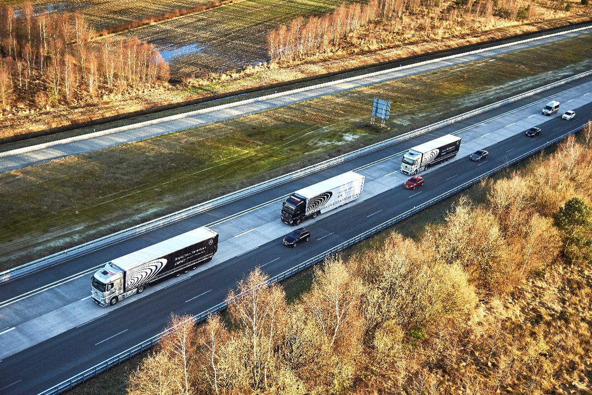 Self-driving truck convoy completes its first major journey