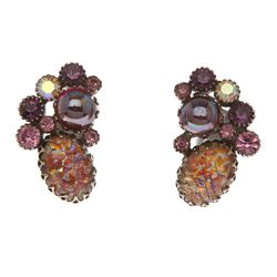 "<span class=""credit"">1950 Juliana Earring, <a href=""http://mflynnjewelry.com/1950-juliana-earring/p/24278/ac/c/?cPath=42_149"">$450</a></span><p>"