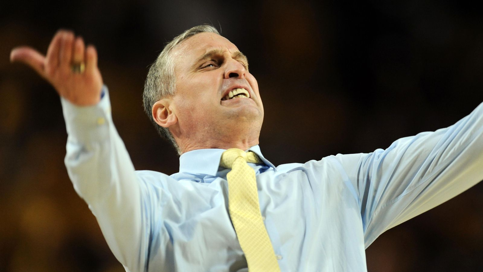 87a104ad9b07 Video  Bobby Hurley gets ejected from ASU Arizona game - Arizona Desert  Swarm