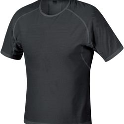 """""""If you get too warm, you can always peel layers off.""""<em>—Marnie Kunz</em> (Gore Running Wear Men's Essential Base Layer Shirt, <a href=""""http://www.paragonsports.com/shop/en/Paragon/clothing-5003466--1/running-20500--1/gore-running-wear-essential-bl-shir"""