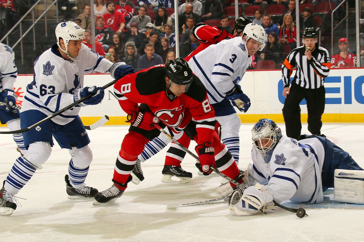 Since Writer N touches on working down low, here's Dainius Zubrus trying to do something in front of the net.