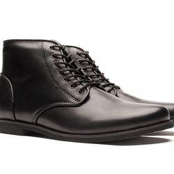 """Generic Surplus Ledger Mid shoes, <a href=""""http://genericsurplus.com/products/ledger-mid"""">$135</a>"""