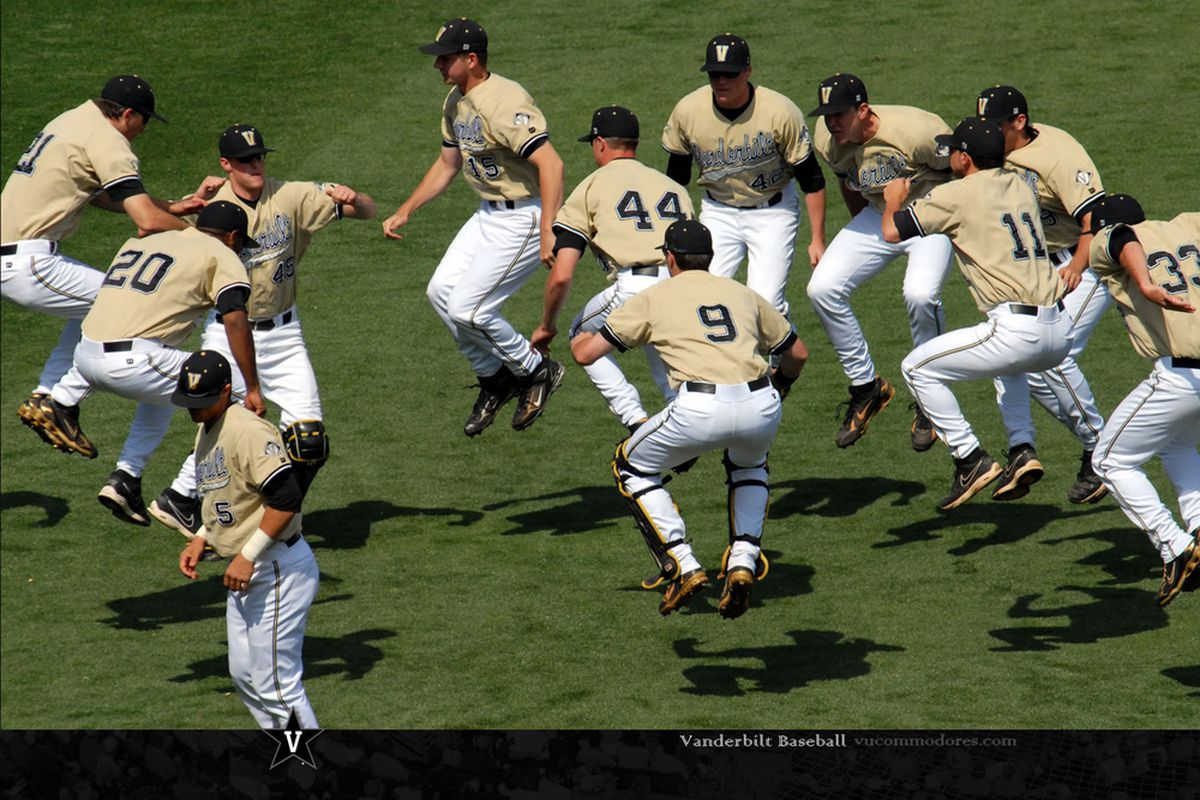 """A trip to the Regionals means a whole new group of fans to expose the Vandy stretching machine to. via <a href=""""http://grfx.cstv.com/schools/vand/graphics/2008stretches1600-1.jpg"""">grfx.cstv.com</a>"""