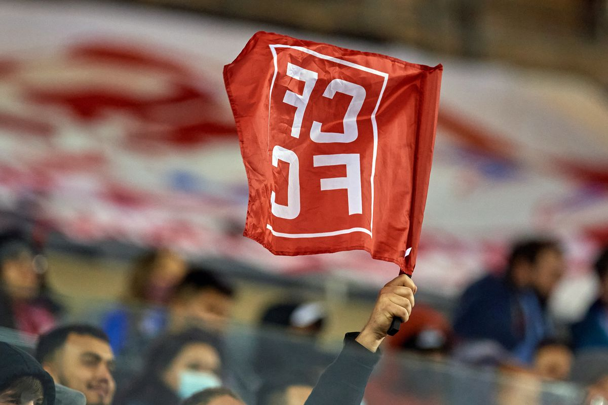 SOCCER: APR 17 MLS - New England Revolution at Chicago Fire FC